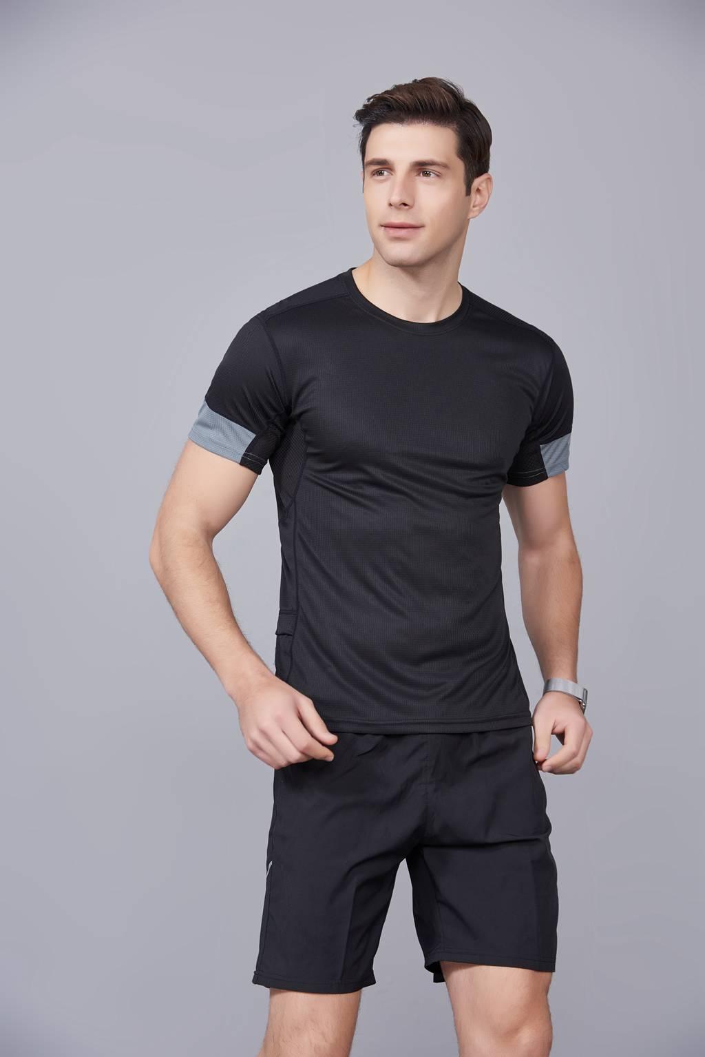 潮流运动T恤 打底衫 圆领休闲宽松款 黑色