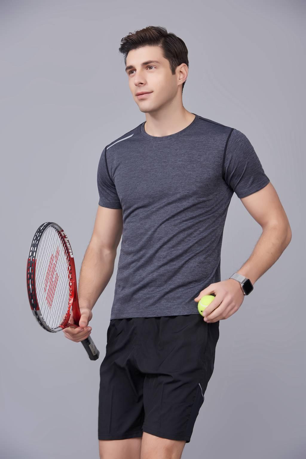 短袖T恤 潮流休闲款圆领吸汗运动上衣 男款深灰色