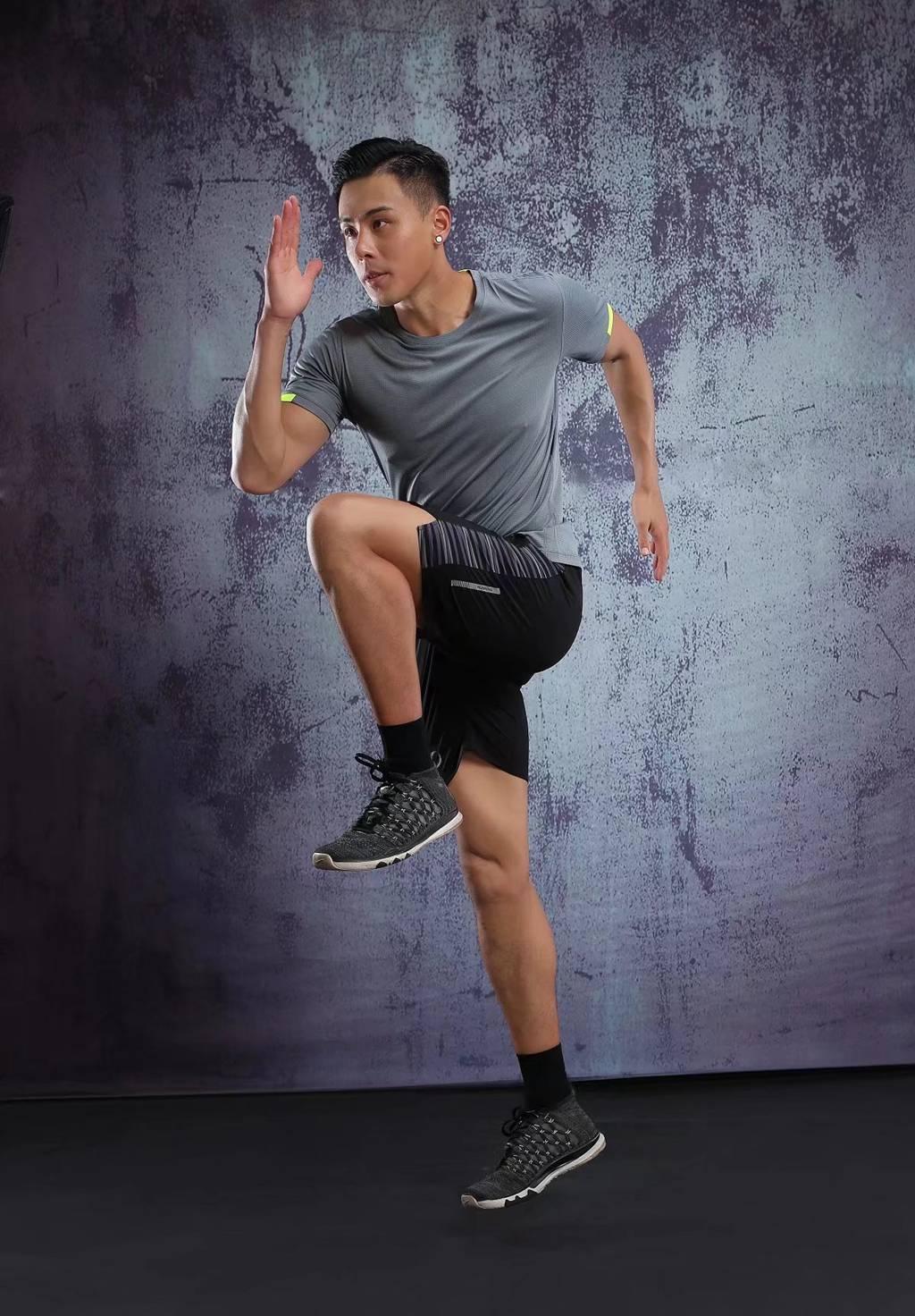 男士背心短袖 运动T恤弹力修身打底汗衫  灰色速干衣