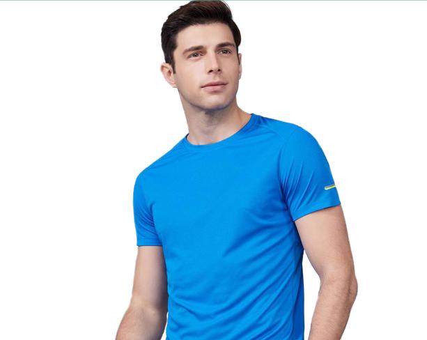 T恤衫订制有哪些需要注意?如何巧妙搭配?