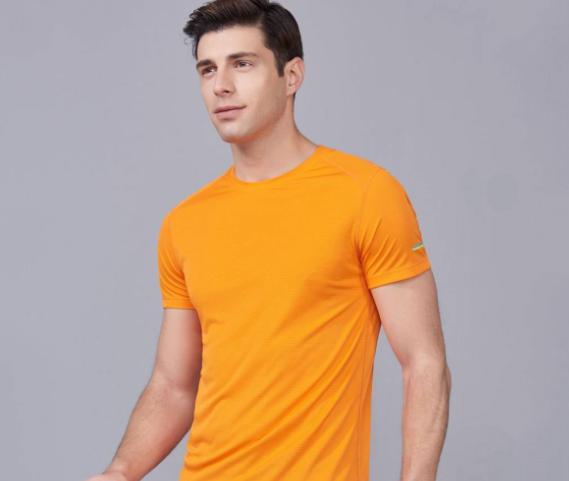 定制T恤衫在清洗时需要注意的几点